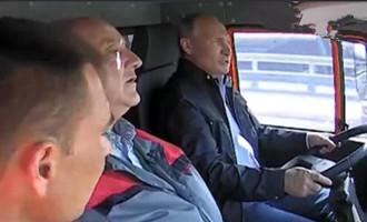 #快看#你没有见过的老司机开车视频 动作麻利 还是欧洲最长 老司机带带我 老司机带带我是什么意思?老司机带带我!阿里里~阿里里~阿里阿里里